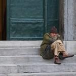 Álkoldusok csaptak le Genova utcáira