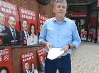 Lebuktak a fideszes aktivisták: MSZP-s táblákat lopkodtak nagyüzemben