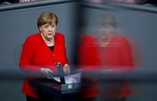 Merkel az EU-n kívüliek bevándorlásáért lobbizik
