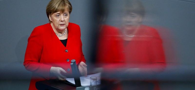 Merkel megingott: már szerinte sem biztos, hogy Weber lesz a bizottság elnöke