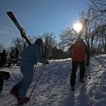 Majdnem 30 centis a hóréteg, hétvégén indulhat a síszezon a Hargitán