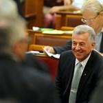 Origo: Schmitt tanácsának tagjai voltak a disszertáció bírálói