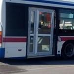 A nap fotója: olyat tettek a busszal, amire senki sem számított