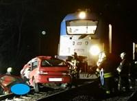 Nemzetközi gyorsvonat ütközött egy autóval Vácnál, ketten meghaltak