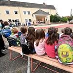 Szerintetek mikortól dönthetnek az iskolák az átállásról? Szavazzatok