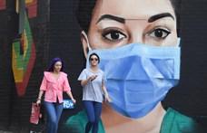Több mint 55 ezren haltak meg a koronavírus miatt az Egyesült Királyságban