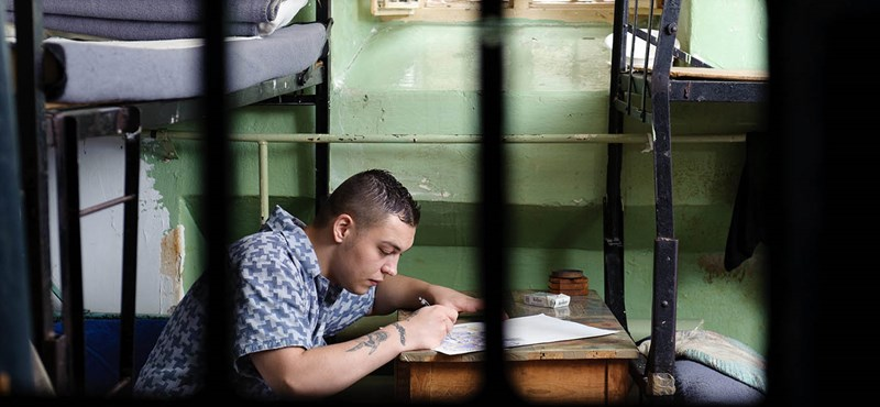Palvin Barbi elsápad: Instára költöznek a magyar börtönök
