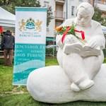 Hangulatos szobrot kapott Lázár Ervin