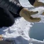 Videó: Jeget dobtak egy 137 méter mély lyukba az Antarktiszon, és furcsa hangot adott ki