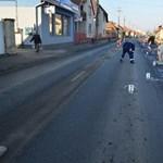 Ilyen tábla talált telibe menet közben egy biciklist - fotó