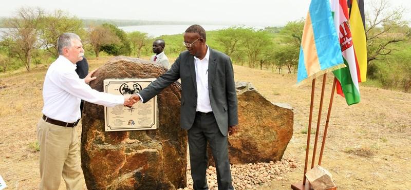 Több mint ötmilliárdot ad a kormány egy rejtélyes ugandai fejlesztési programra