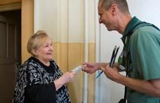 Dübörög a kampány: minden idős 6000 forintot kap a IX. kerületben
