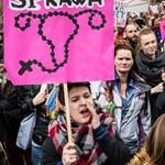A férfiak élvezete, a nők fájdalma: provokatív abortuszcikken vitázik Amerika