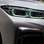 670 lóerős luxus-villanyautóval csaphat oda a BMW a Teslának
