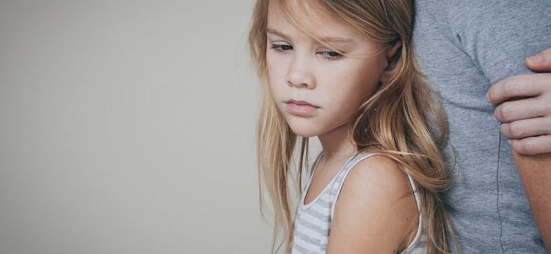 Gyerekek a kém szerepében a válás előszobájában