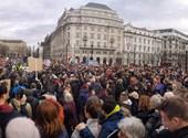Budapesten tüntettek a gyöngyöspatai kártérítések miatt