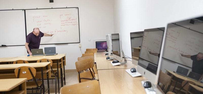 Technikai segítséget ajánl a távoktatásban elakadt tanároknak a Nokia