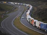 50-100 ezer kamiont kellene leterelni a magyar utakról, hogy teljesíteni tudjuk az EU klímacéljait