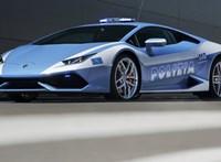 610 lóerős Lamborghinire bízták egy vese szállítását Olaszországban