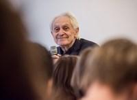 Budapesten járt a világ egyik kedvenc szülésze