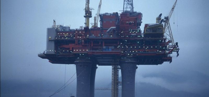 Olajfúrótoronynak ütközött egy hajó a norvég partoknál