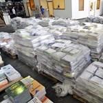 Elégedett a minisztérium, megérkeztek a tankönyvek az iskolákba