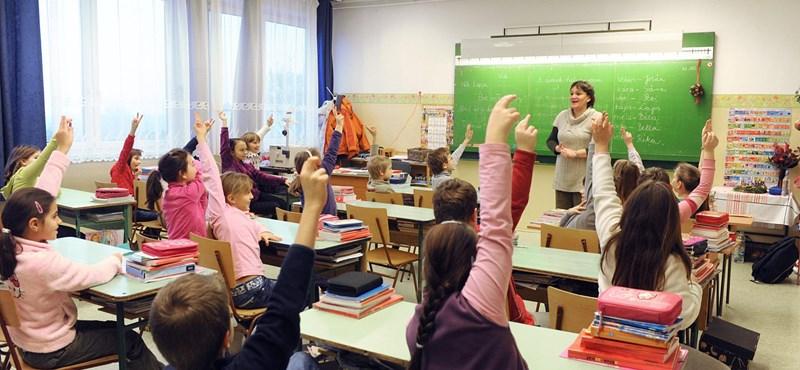 Tanárhiány miatt növelik a csoportlétszámot egy általános iskolában?