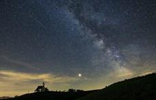 Bámulatos videót rögzített hét éjjellátó kamera: íme a Perseidák meteorraj legjava