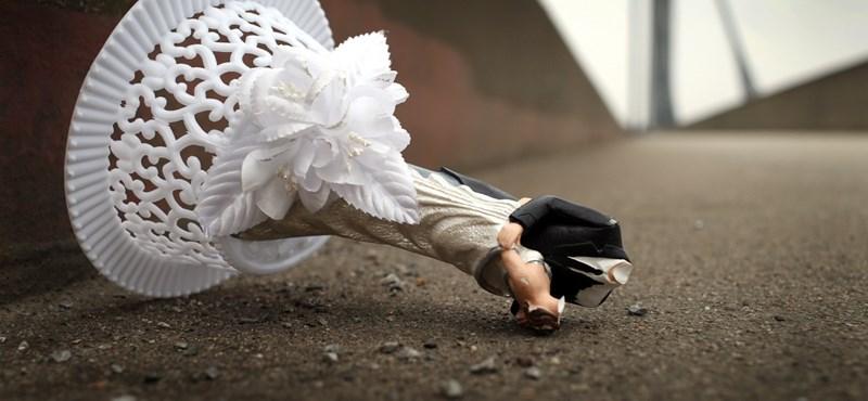 Talán még nem hallott az új őrületről: kamuesküvőnek hívják