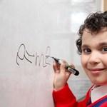 Még csak négyéves, de már lenyűgözte a szakembereket egy brit fiú
