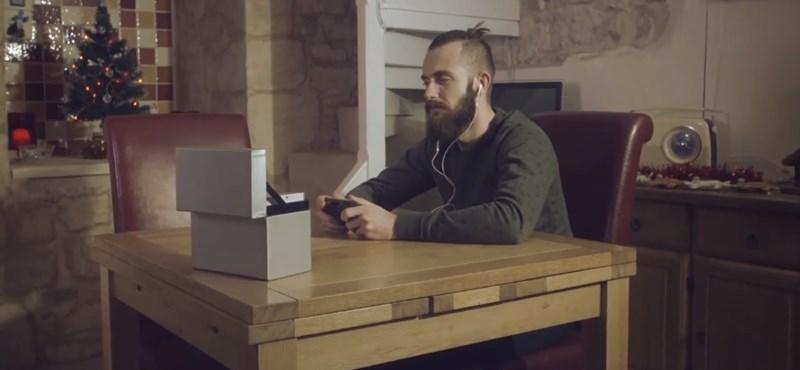 Könnyfakasztó karácsonyi reklámot forgatott alig 50 fontból egy brit operatőr – videó
