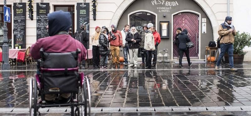 Gulyás Márton a Rokonokat olvasta fel Zsidai Royéknál, az étterem bezárt