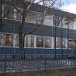 Víz folyik a konnektorokból egy veszprémi iskolában