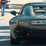 Kötelező videózni, ha felbukkan egy ilyen szuper exkluzív Alfa Romeo Disco Volante
