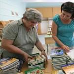 Már jövőre odacsap a kormány a tankönyvkiadóknak