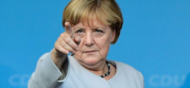 Újra megválasztották pártelnöknek Merkelt