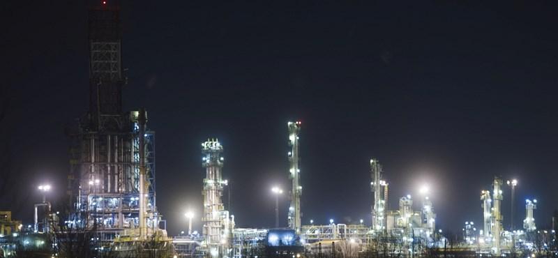 Szennyezett orosz olaj: hozzá kellett nyúlni a magyar biztonsági kőolajkészlethez