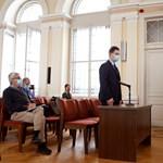 Győri késeléssel vádolt diák: Azt szerettem volna, hogy a tanárnőt elvigye a mentő