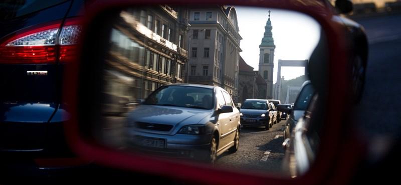 Budapesti dugók: ezeket a helyeket érdemes kerülni