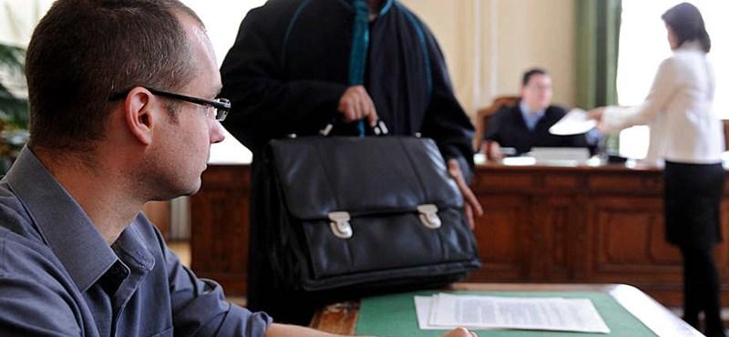 Teljesen átszabná a kormány a bírósági rendszert