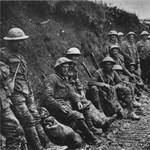 Egyvalaki még üvöltve fetreng – az első világháború a kortársak szemével