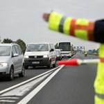 Több kilométeres a torlódás egy baleset után az M1-es autópályán