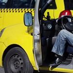 A Budapesten taxizó utasokat jobban zavarják a dugók, mint a díjemelés?