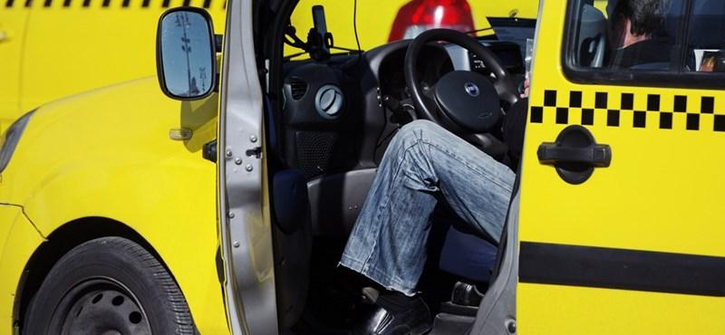 Nekiment a taxisnak az ittas férfi, rá is támadt egy sörösüveggel