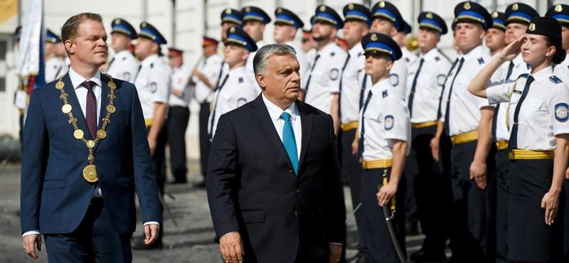 """Orbán: """"Mi, magyarok, feketeöves válságkezelők vagyunk"""""""