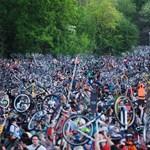 Videó: Így tekert több tízezer biciklis egyszerre Budapesten