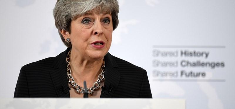 Juncker és May felgyorsítaná a Brexit-tárgyalásokat