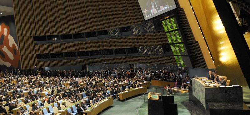 Új lépés a pávatáncban – az ENSZ-ben civilizáltabb arcát mutatja a kormány
