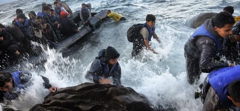 Minden menekültet visszaszállítanának Törökországba
