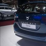 Még hogy a Dacia Logan nem luxusautó? Pedig ilyen extrája van - videó